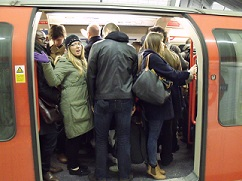 overcrowding_tube